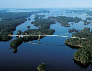 1000 Islands Bridge photo: visit1000islands.com